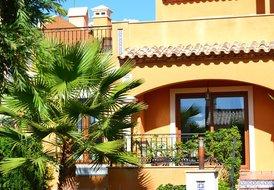 La Finca - luxury town house