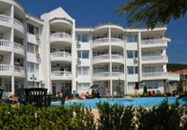 Two bed apartment in Dinevi Resort, Vlas.
