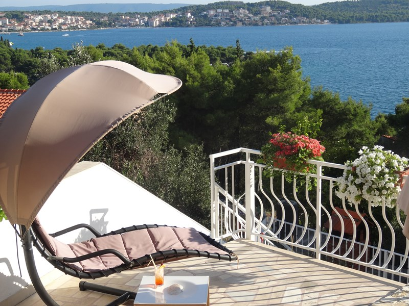 Apartment in Croatia, Ciovo: Apartment 1, private terrace with barbeque area