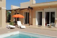 Villa in Greece, Chania region: Relax by the pool
