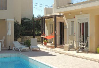 Villa in Greece, Chania region: Relax by the pool with plenty of outdoor space