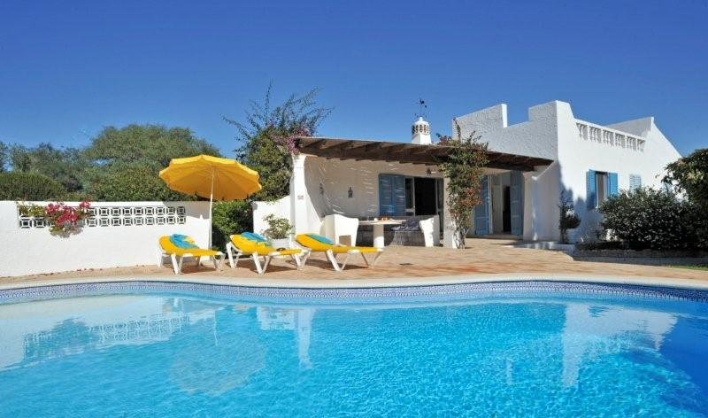 Villa To Rent In Alfanzina Algarve With Private Pool 62262