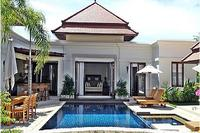 Villa in Thailand, Bang Tao Beach: Pool and Master Bedroom