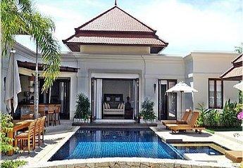 Villa in Thailand, Bang Tao Beach: Pool and Master Bedroom