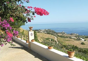 3 bedroom Villa for rent in Castellammare del Golfo