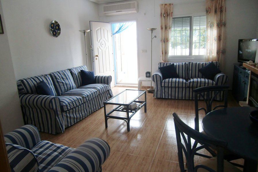Owners abroad Beachfront house on Mar Menor suitable for everyone, free Wifi.