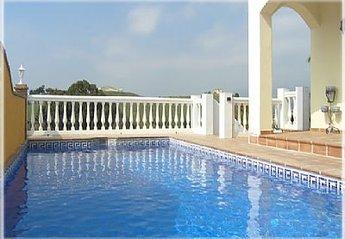 Villa in Spain, Fuengirola: The Pool
