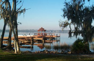 Villa in USA, Lake Marion: Lakeside pier, picnic and BBQ area