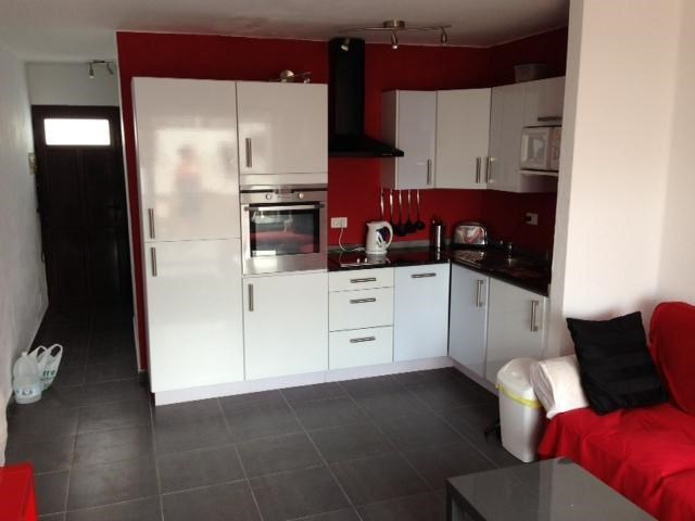 Apartment in Spain, Puerto del Carmen: fully fitted kitchen