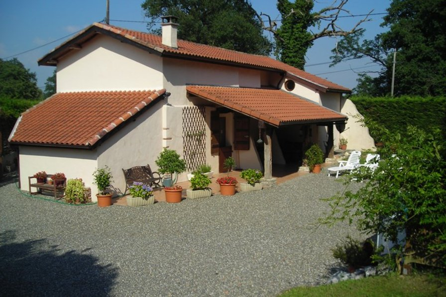 Country house in France, Clermont: The lodge