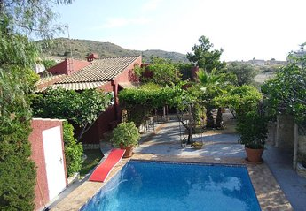 5 bedroom Villa for rent in El Campello