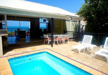 Villa in South Africa, Blythdale Beach : Terrace; Pool; View to Indian Ocean.