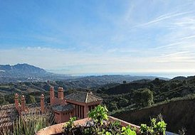 Luxury Marbella 2-BD apt with panoramic sea views