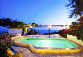 VILLA CARLOTTA, amazing villa with pool in Sorrento Coast