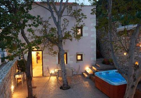 Villa in Maheri, Crete: VILLA ALADANOS - courtyard with jacuzzi