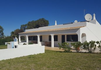 4 bedroom Villa for rent in Lagoa