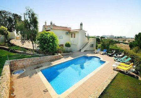 Villa in Olhos de Água, Algarve: Villa Torre with Large private pool and Garden area