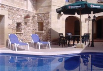 4 bedroom Farmhouse for rent in Xewkija