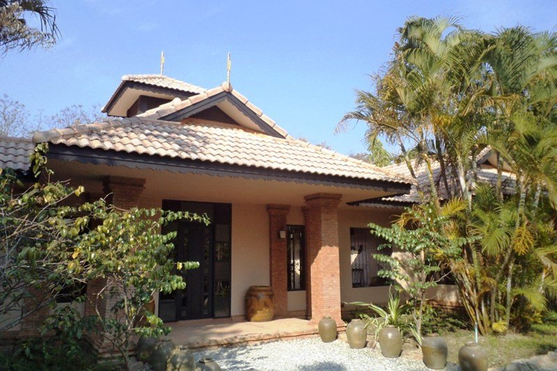 Villa to rent in chiang mai thailand with shared pool 64230 for Chiang mai house for rent swimming pool