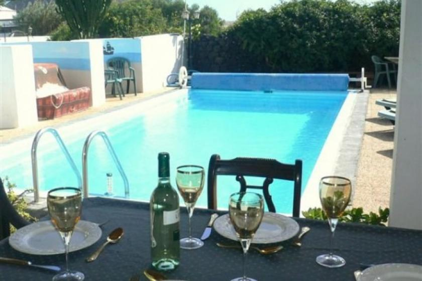 Country Villa Near Costa Teguise. Heated Pool, free Wi-Fi,