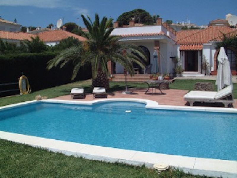 Villa in Spain, Hacienda Guadalupe: View of villa with pool