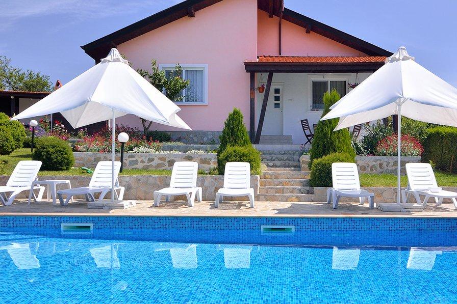 Royal Villas - private pool- sleeps 16