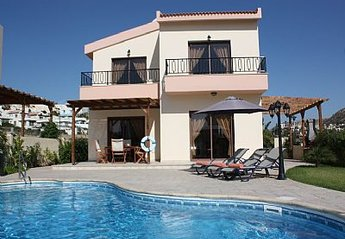 2 bedroom Villa for rent in Pissouri