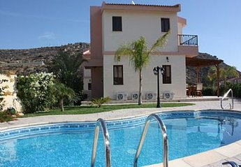 2 bedroom Villa for rent in Pissouri