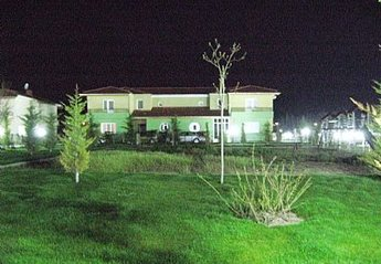 Villa in Turkey, Afyon: Dundar Thermal View at Night