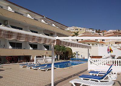 Apartment in Spain, Playa de las Americas: The heated pool