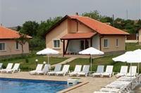 Villa in Bulgaria, Bryastovetz: house and pool