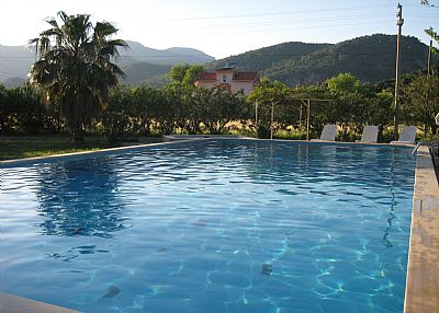 Apartment in Turkey, Dalyan: The swimming pool with mountain views