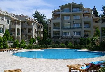 Apartment in Turkey, Armutalan: pool area