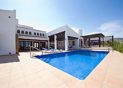 Villa in Spain, El Valle Golf Resort: The terrace and pool