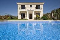 Villa in Cyprus, Lyssos: Villa Georgios