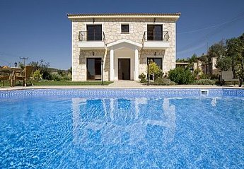Villa in Cyprus, Lyssos: Profitis Elias Villa