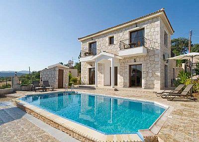 Villa in Cyprus, Lyssos: Villa Prosefhi