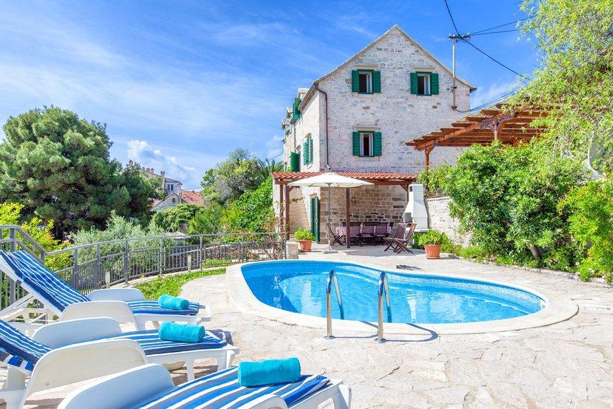 Villa in Croatia, Sumartin