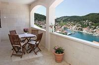 Apartment in Croatia, Island of Brac: Balcony with sea view