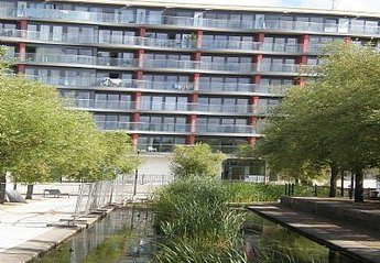 Apartment in United Kingdom, Docklands: Outside the building