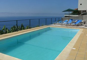 Villa in Portugal, Arco da Calheta: Swimming pool