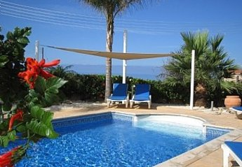 3 bedroom Villa for rent in Peyia