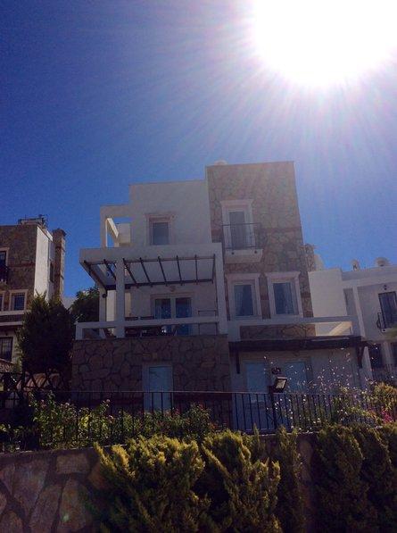 Owners abroad Villa Sunnydaze