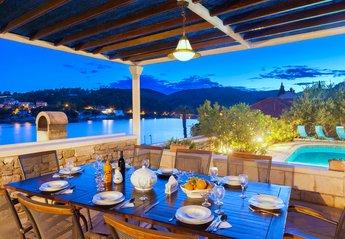 Villa in Croatia, Sumartin: Family villa Mir Vami, Sumartin, Brac Island