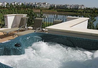 House in Spain, La Torre Golf Resort: Bubbling Hot Tub