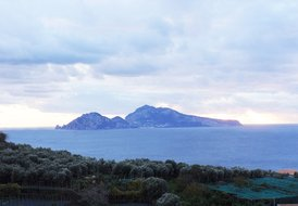 VILLA PAONEMA, Pretty villa with terrace, garden and capri view