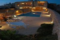 Farm_house in Malta, Xaghra: Pool at Night