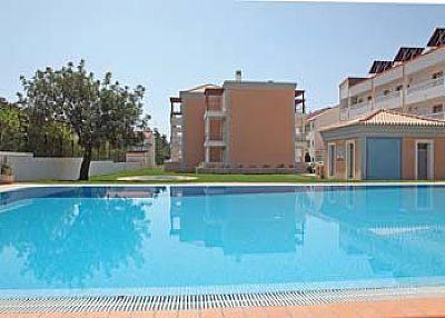 Apartment in Portugal, Olhos de Agua: Pool area