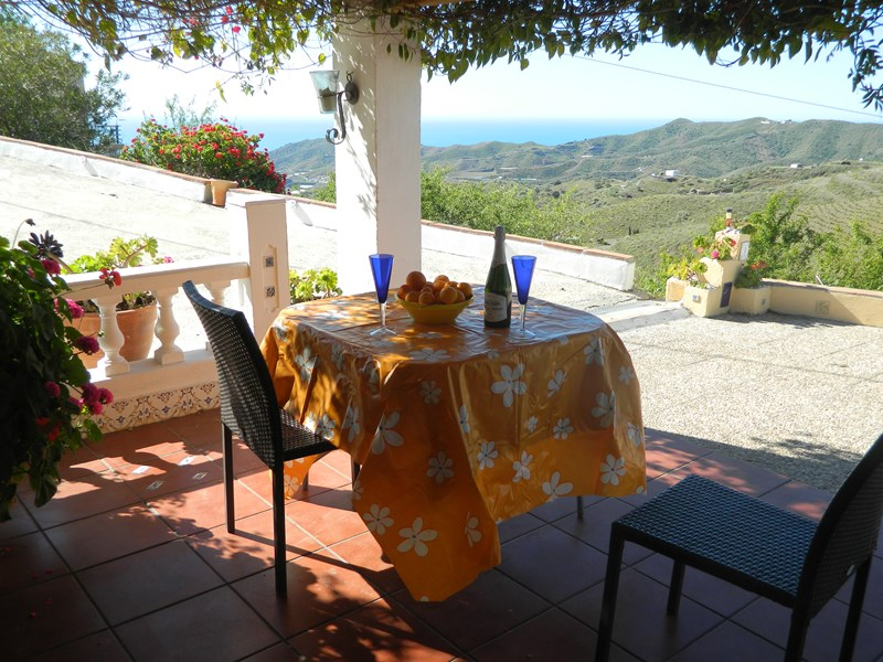 Villa in Spain, IZNATE: view to Mediterranean from Patio