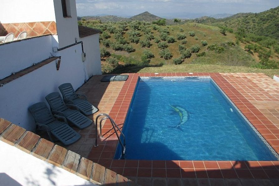 Villa in Spain, Guaro: Your lovely pool and stunning views!